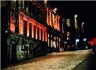 干净的欧美夜晚路灯街道图片