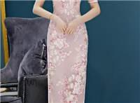 清雅绚丽的旗袍美女,宛如千年穿越过来的仙女,动人心弦!