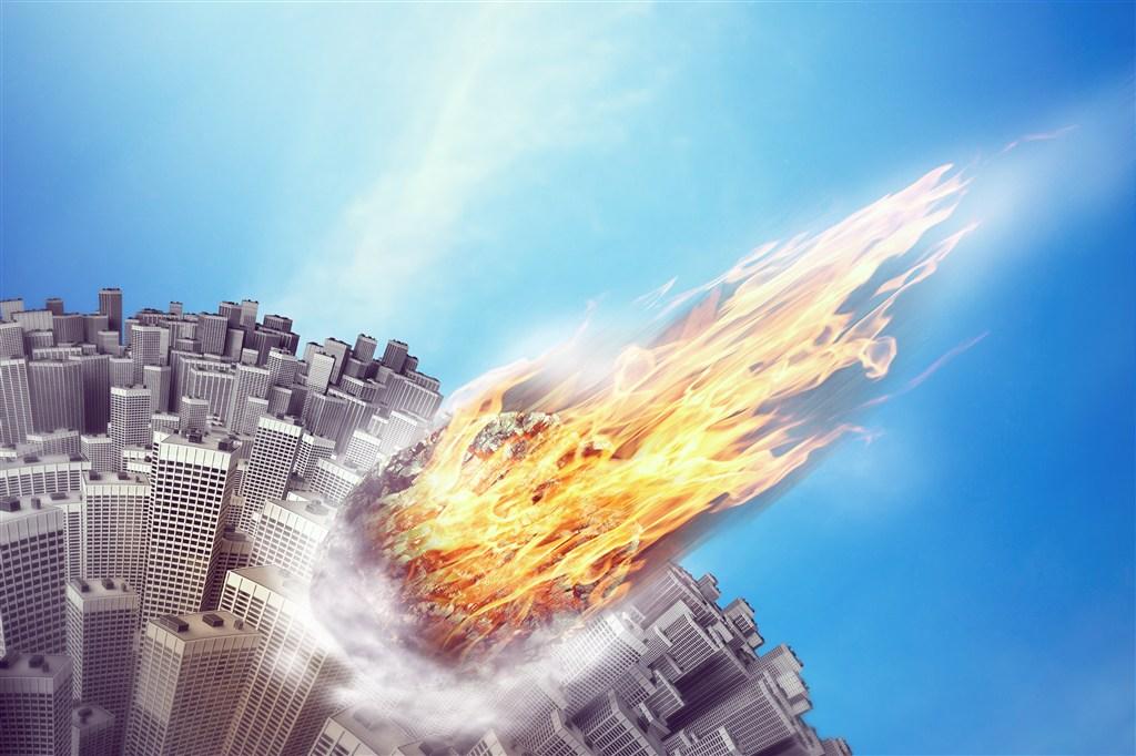 陨石坠落到城市素材图片(点击浏览下一张趣图)