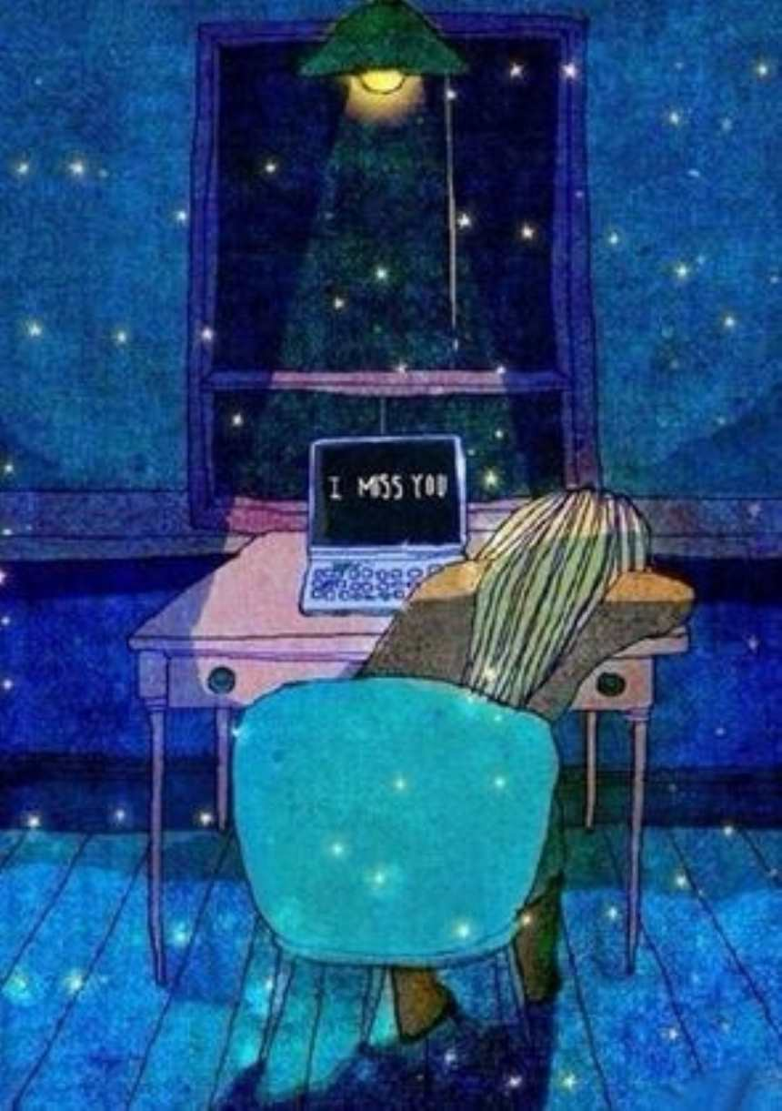 夜晚趴在电脑桌睡着的女孩(点击浏览下一张趣图)