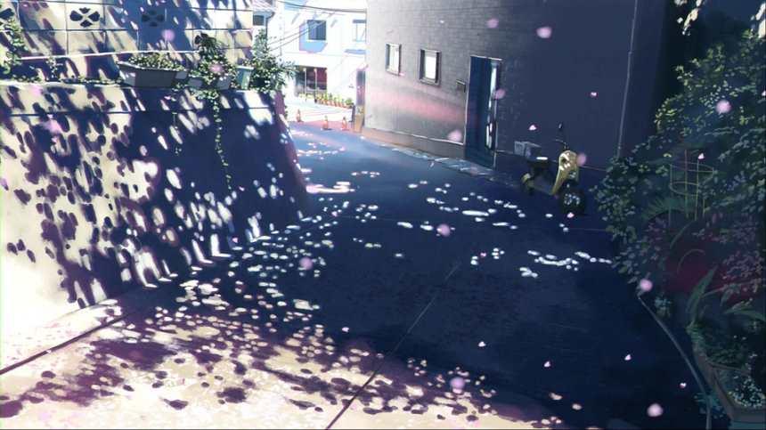 树影下的山区街道拐角图片(点击浏览下一张趣图)