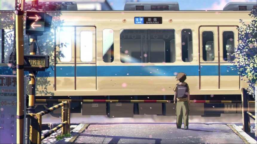 正在轻轨站台等待的男生背影(点击浏览下一张趣图)