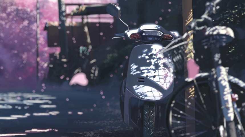 清净的城市角落静止的踏板摩托车(点击浏览下一张趣图)